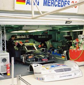 Le Mans Pits: Mercedes CLK-LM