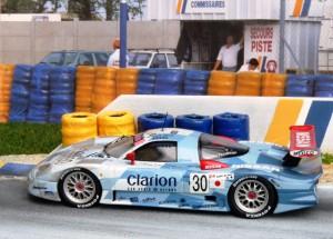 3. und 5. Platz: Nissan R390 GT1 (hier Nr. 30, 5. Platz), Modell: Onyx (Vitesse)
