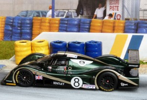 Bentley Exp Speed 8 Le Mans 2001 (Modell: IXO)