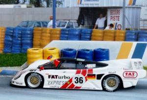 Le Mans-Sieger: Dauer Porsche 962 GT (Minichamps)