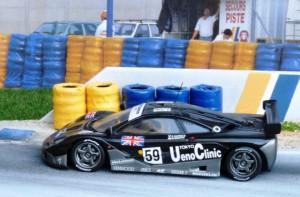 Sieger in Le Mans: McLaren BMW F1 GTR (Minichamps)