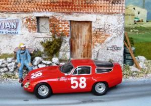 Targa Florio 1964, Alfa Romeo Giulia TZ (3. Platz), Bausatz in 1:43 von Tron, Diorama von Eau Rouge