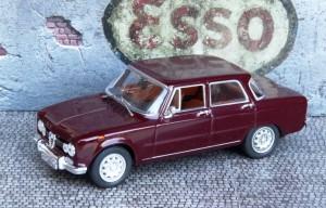 Alfa Romeo Giulia Super (Minichamps)