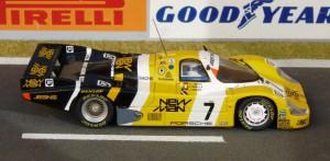 Porsche 956-117 Joest Racing, Sieger in Le Mans 1985 mit Barilla und Krages (Modell: Minichamps)