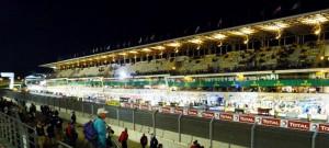Le Mans 2013: Tribünen und Pits bei Nacht