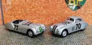 BMW 328 Mille Miglia 1940, Modelle von Schuco: rechts das Touring Coupé (Siegerfahrzeug)