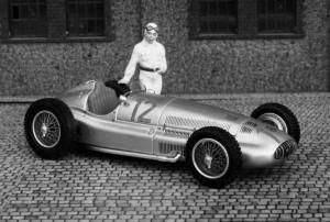 Mercedes-Benz W154/39, Großer Preis von Deutschland 1939 (Caracciola), Modell: Spark, in zeittypischer SW-Aufnahme